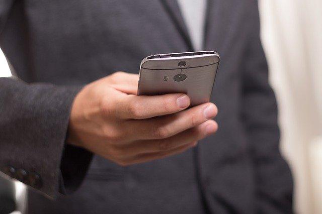 Ne pas se laisser distraire par son téléphone au travail