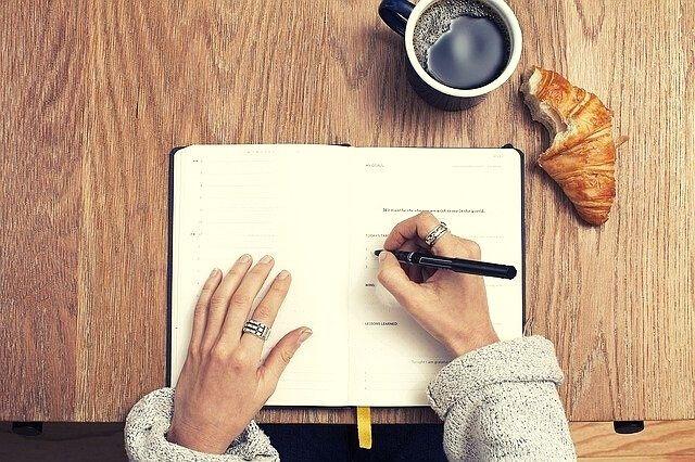 écrire ses progrès pour rester motivé à développer son plein potentiel