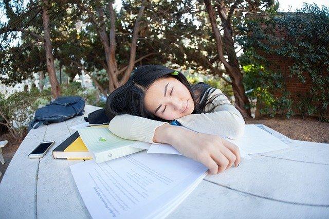 limiter les siestes pour dormir plus tôt